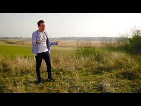 wesley - Wesley Klein - Hey Jij, Hoe Heet Je Itunes: https://itunes.apple.com/nl/album/hey-jij-hoe-heet-je-single/id878088573 Zazell: http://zazell.nl/browse_bundle.a...