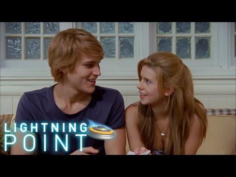 Lightning Point / Alien Surfgirls S1 E15: Poles Apart