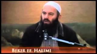 Zban tha Hoxha me u përzi me politikë - Hoxhë Bekir Halimi