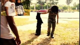 Download Video AXEL INDONESIAN MAGICIAN- VANISHES IN THE STREET MP3 3GP MP4