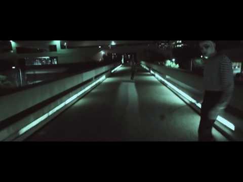 Adriatique feat. Name One – Midnight Walking