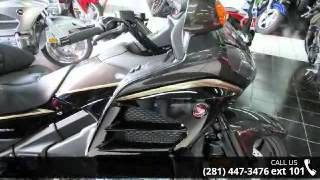 7. 2016 Honda GL1800 Gold Wing Audio Comfort Navi XM ABS - B...
