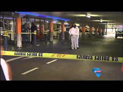 Rowers slaan toe op winkelsentrum / Robbers target Gauteng mall