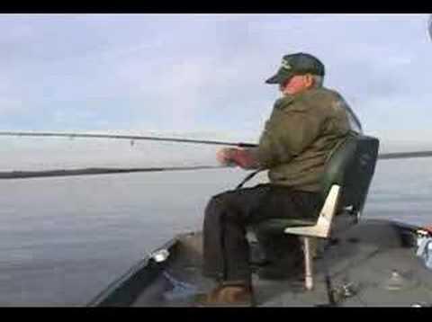 winter time crappie fishing on Kentucky Lake