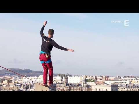 Περπάτησε σε τεντωμένο σκοινί πάνω από το Παρίσι