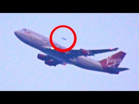 Un UFO sorpassa un'aereo di linea