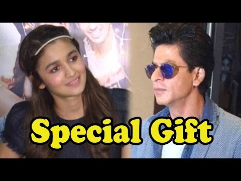 Shah Rukh Khan Gave Alia Bhatt A Very Interesting
