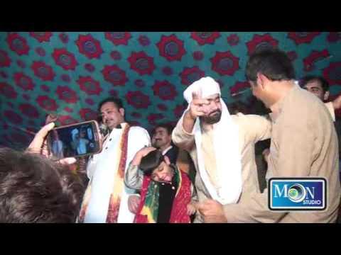 Video Meda Nikayn La Da Ahmad Nawaz Cheena Moon Studio Pakistan download in MP3, 3GP, MP4, WEBM, AVI, FLV January 2017