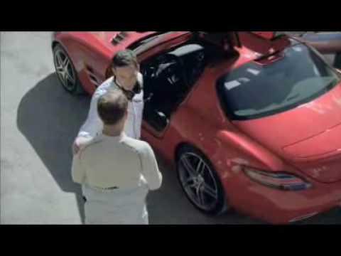 Mercedes SLS Tunnel Roll