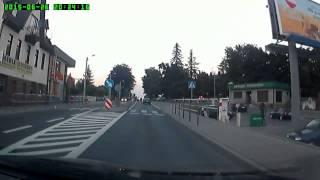 Zabawa gimbazy w Andrychowie… wrzucanie koleżanki pod samochód.