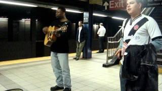 Cantor no metro de nova iorque!