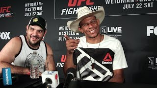 Alex Oliveira Explains Why He Left the Octagon after KO Win at UFC on FOX 25 - MMA Fighting by MMA Fighting