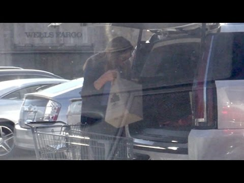 Caitlyn Jenner Picks Up Some Groceries
