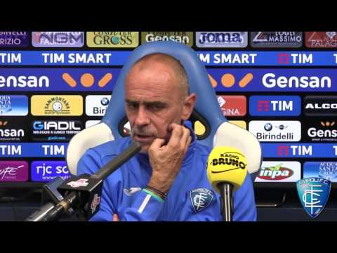 Mister Martusciello in conferenza stampa alla viglia di Genoa-Empoli