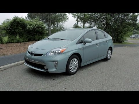 2014 Toyota Prius Plug-in Review – LotPro