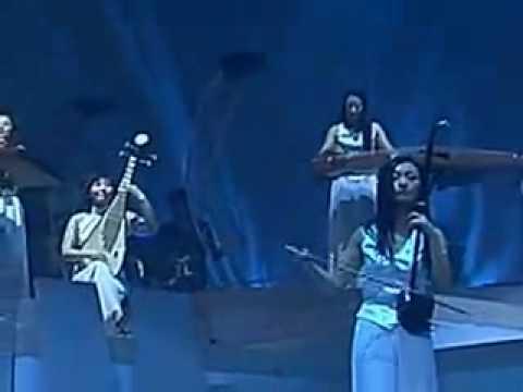 12 Girls Band - 女子十二楽坊 - El cóndor pasa  (UNE MÉLODIE DES INCAS )