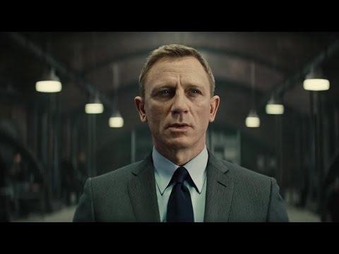 Daniel Craig is back on the driver's seat