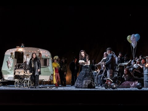 Watch: Verdi's 'Anvil Chorus' from <em>Il trovatore</em>