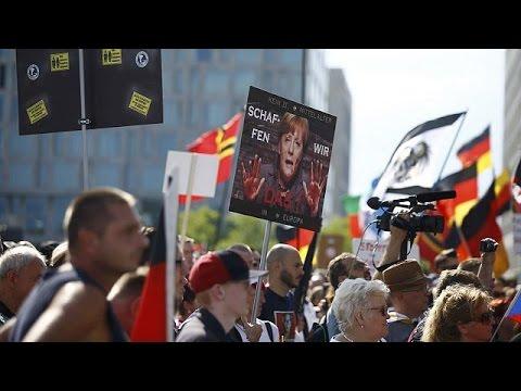 Γερμανία: Αντιδράσεις για την πολιτική Μέρκελ στο προσφυγικό