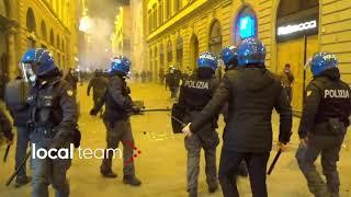 Włoski dowódca nakazuje odwrót i nie zezwala na konfrontację z protestującymi