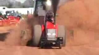 2. ciągnik,  videos showing lawn tractors ratings and john deere garden tractor manual