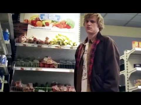 Lovesick (Scrotal Recall) Frankie s02e01 - Angus on magic mushrooms scene. Hilarious!!