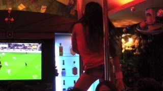 Pattaya Walking Street - Frog Bar Dancers Thailand