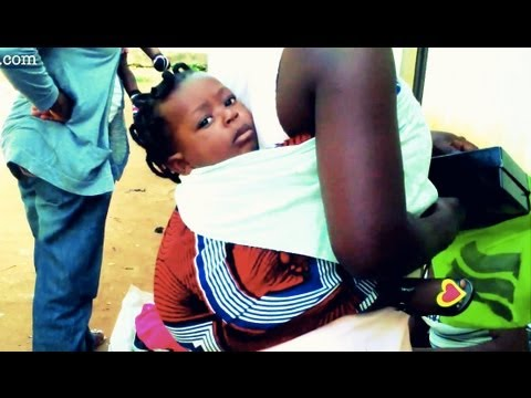 How-to carry your baby (African style!) … and if the baby falls u must run naked!