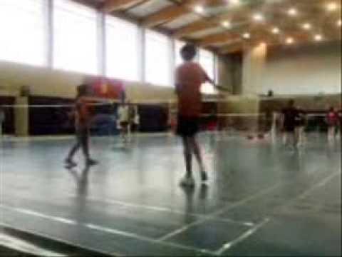 video partido badminton