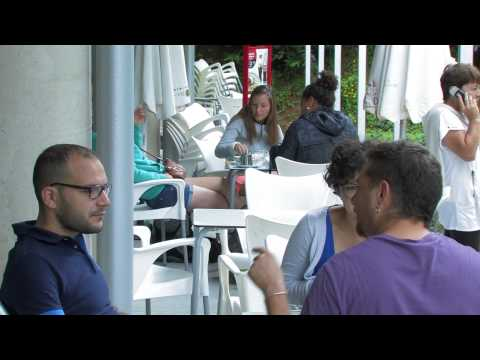 Wideo Green Nest Hostel Uba Aterpetxea