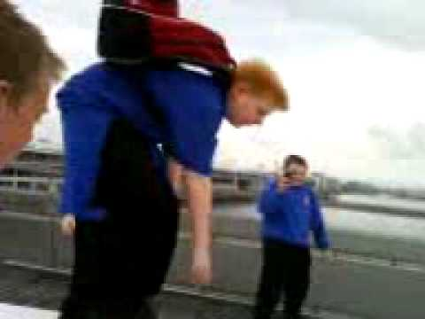 Re: Josh Arnold Falls in Docklands lol 24/9/2008