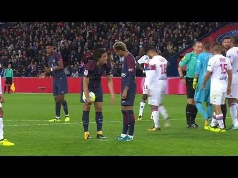 Pelea Neymar-Edinson Cavani en PSG continuó en el vestuario (VIDEO)