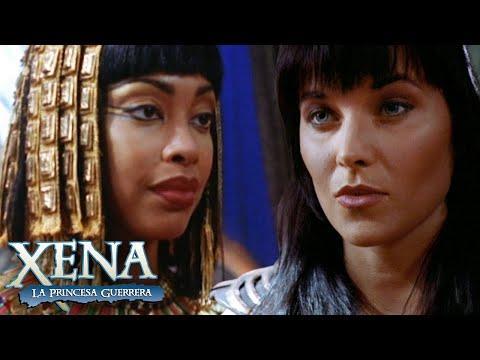 Xena le salva la vida a Cleopatra | Xena: La Princesa Guerrera