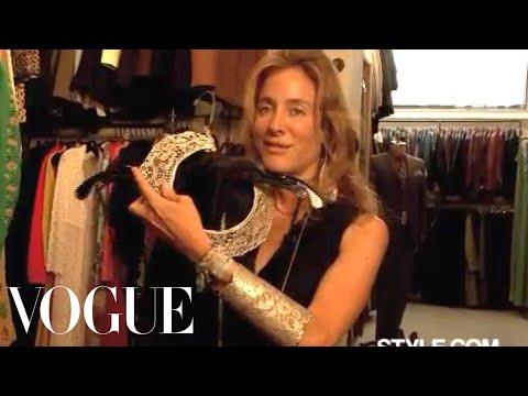 Aurelie Bidermann Shops Vintage French Clothes видео