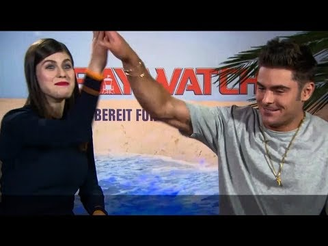 Video Zac Efron Says Kissing Alexandra Daddario Is The Coolest Thing Ever, You Should Try It download in MP3, 3GP, MP4, WEBM, AVI, FLV January 2017