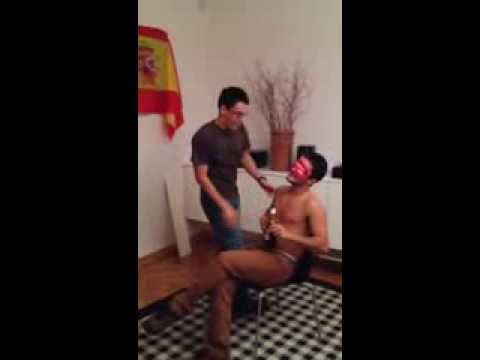 Erotic Dance Finishes with a Dangerous Move (видео)