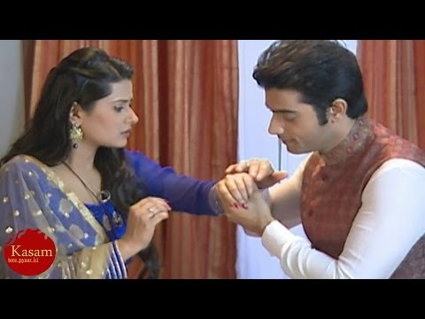 Kasam Tere Pyaar Ki | Rishi saves Tanu from FIRE |
