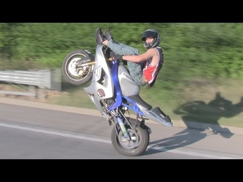 Street Motorcycle Stunt Riding At MIDDLE OF THE MAP RIDE 2013 + Motorbike Wheelie Accidents & Wrecks