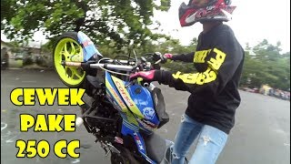 Video MANTAP ! NI CEWEK MAINNYA MOTOR 250CC BUKAN BARBIE MP3, 3GP, MP4, WEBM, AVI, FLV April 2019