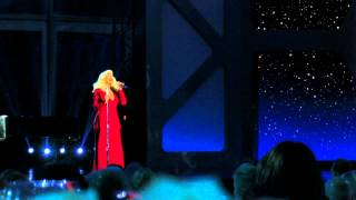 Christina Aguilera Singing to the Breakthrough Prize Scientists