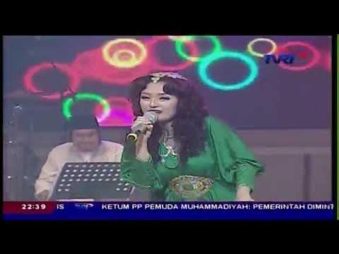 Video SITI BADRIAH [Terong Dicabein] Live At Kamera Ria (05-08-2014) Courtesy TVRI download in MP3, 3GP, MP4, WEBM, AVI, FLV January 2017