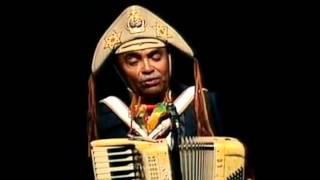 Esta aí o melhor instrumental de quadrilha de todos os tempos. O sanfoneiro? Quem poderia ser? Luiz Gonzaga, o mais...