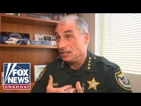 威胁校园零容忍 佛州警长两个月逮30名学生