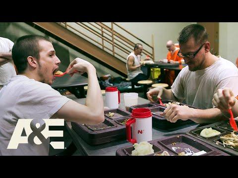 60 Days In: Celebrating Thanksgiving in Jail (Season 1) | A&E