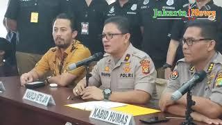 Video Inilah Cerita Lengkap Pembantaian Sekeluarga di Bekasi MP3, 3GP, MP4, WEBM, AVI, FLV November 2018