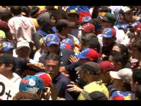Henrique Capriles: Al pueblo no lo inhabilita nadie, vamos Bravo Pueblo sigamos en la calle