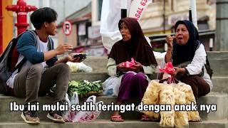 Video Social Experiment - Traktir Ibu2 Makan BURGER - Yg Punya Ibu Wajib Nonton - Selamat Hari Ibu 2017 MP3, 3GP, MP4, WEBM, AVI, FLV Desember 2018