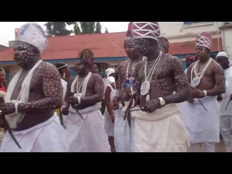 Oba's chanting in front of the Palace of the Ooni His imperial Majesty Oba Okunade Sijuwade