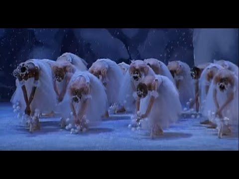 Waltz of the Snow Flakes in Balanchine´s Nutcracker – The NYC Ballet