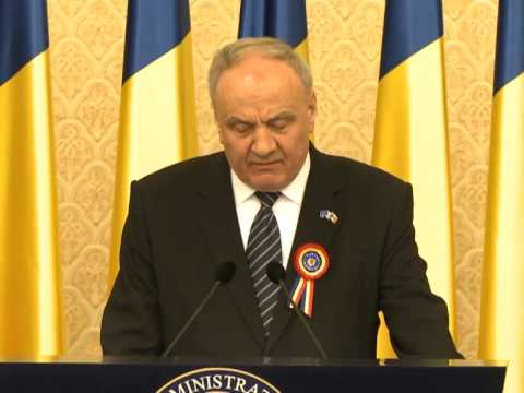 President Nicolae Timofti delivers speech on National Day of Romania